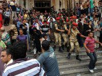 Darbe karşıtlarına 15 gün tutukluluk kararı