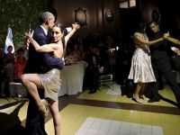 Obama tango yaptı. İşte o video!