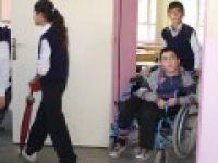 Engelli öğrenci, başarısıyla örnek oldu