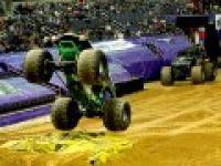 """Canavar kamyonlar"" Washington'da yarıştı"
