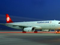 """""""Ercan'a acil iniş yapan THY uçağının direkt uçuşunu engellediler"""""""