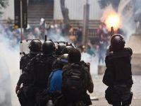 Grev yapan öğretmenlere polis müdahalesi