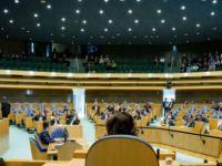 Hollanda'dan yurtdışında baskı gören gazeteciler için fon