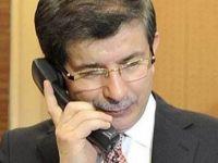 Davutoğlu taksi durağında telefonlara baktı! (Video Haber)