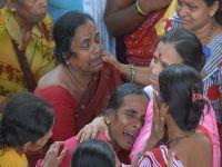 Hindistan'da köprüde izdiham: 89 ölü