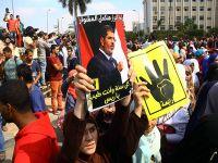 Ezher Üniversitesi'nde darbe karşıtı gösteri