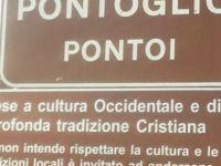 'Burası Hristiyan kasabasıdır' tabelası kaldırılıyor
