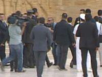 Anıtkabir'de asker bayıldı! (Video)