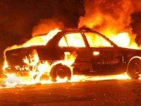Kaynak yaparken, aracı yaktılar!