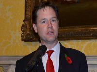 İngiltere Başbakan Yardımcısı Clegg AA'ya konuştu: Mursi adil yargılanmalı