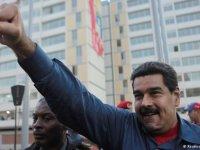 Muduro, darbe girişimine karşı  halkı sokağa çağırdı