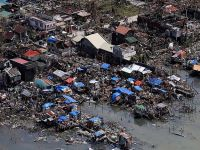 Haiyan tayfunu Filipinler'de bir çok bölgeyi haritadan sildi