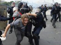 Fransa'da polis şiddetine tepkiler sürüyor