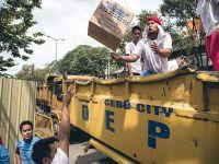 İngiltere Filipinler'e yardım gemisi gönderdi