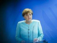 Merkel'in hüsranla karışık zaferi