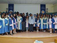 DAÜ Eczacılık Fakültesi ilk mezunları için yemin töreni düzenledi