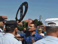 KTÖS ve KTOEÖS'ten TC Lefkoşa Büyükelçiliği önünde 'sembolik' eylem