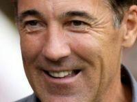 Havalimanından Saunders'a: Galler EURO 2016'yı kazanırsa park cezanı sileceğiz