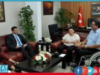 Başbakan Özgürgün, Ortopedik Özürlüler Derneği'ni kabul etti