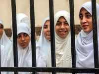 Darbe karşıtı kızlara 11'er yıl hapis