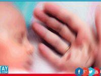 Oksijen yerine kahkaha gazı verilen bebek öldü
