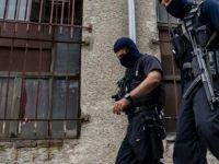 Almanya'da Selefilerin camisine polis baskını!