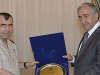 Cumhurbaşkanlığı'nda emekli KTBKK Korgeneral Bozkurt kabulü...