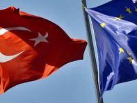 """""""Türkiye zaten 10-20 yıl AB'ye giremeyecek, müzakereler devam etsin"""""""