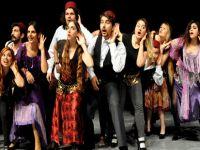 """YDÜ'de """"Tiyatro Bölümü"""" kayıtları başladı!"""