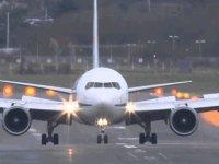 357 Yolcu Dün BAF Havalimanı'ndan İngiltere'ye Uçtu