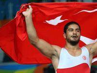 Türkiye'nin ilk altını geldi!