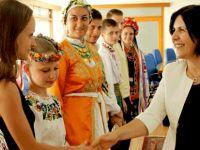 Siber, halk dansları barış festivali ekip temsilcilerini kabul etti.