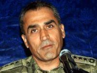 Darbeci Albay, Kıbrıs'a kaçtı!
