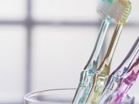 Dişleri fırçalamak, koronavirüse karşı koruyucu olabilir