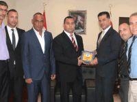 Kıbrıs Türk Futbol Hakemler ve Gözlemciler Derneği'nden Özgürgün'e nezaket ziyareti