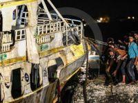 Akdeniz'de batan mülteci teknesi su yüzeyine çıkarıldı