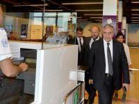 Akıncı, Ercan'da VIP çıkışını kullanmadı