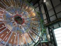 Hiçbir bilgisi yoktu, iOS yardımıyla nükleer fizik makalesi yazdı