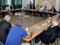 İki Toplumdan Siyasi Partiler Ledra Palace'ta buluştu