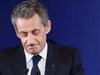 Eski Fransa Cumhurbaşkanı Nicolas Sarkozy 3 Yıl Hapis Cezasına Çarptırıldı