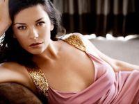 Catherine Zeta-Jones'un bikinili tatil fotoğrafı şaşırttı