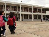 İlkokullarda pazartesi günü, ortaokul ve liselerde salı günü ders başı yapılacak