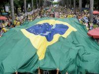 Brezilya'da yolsuzluğa karşı dev protestolar