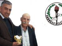 Akdoğan Belediyesi'nde faturasını ödeyenlere çiçek hediye