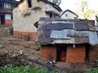 Nepal'de regl olduğu için sürgün edilen genç kadın öldü