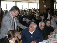 Dikmen Belediyesi'nden yaşlılarımıza geleneksel yılbaşı yemeği