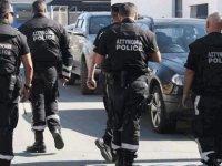 Güney Lefkoşa'da el bombası, polisi alarma geçirdi