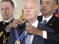 Obama Biden'a ABD'nin en yüksek madalyasını verdi