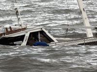 Hindistan'da tekne alabora oldu: 17 ölü