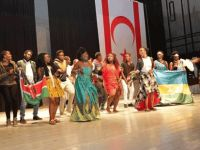 YDÜ Afrika'nın canlı renklerine büründü...